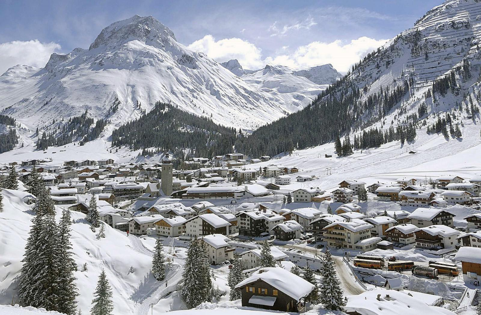 Luxury ski Apart Hotel in Lech am Arlberg for Sale