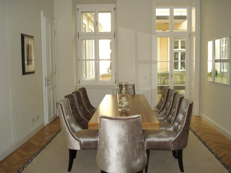 Elegant and luxurious apartment in Vienna for Sale