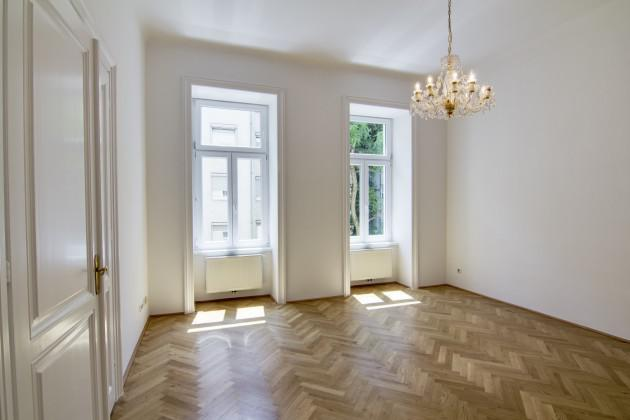 Charming old apartment near Albertina in Vienna