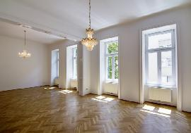 Real estate in Austria - Charming old apartment near Albertina in Vienna For Sale - 1st District (Innere Stadt) - Vienna