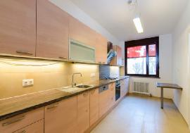Real estate in Austria - Vienna - Renovated 5-rooms apartment near Türkenschanzpark For Sale - 19th District (Doebling) -