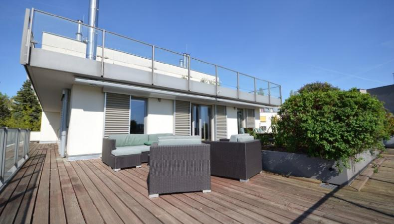 3 floors apartment with terraces and view at the Green area for Sale