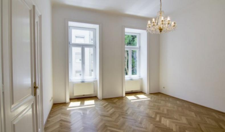Unique apartment in exclusive location near Türkenschanzpark for Sale