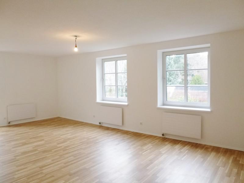 Real Estate in Austria - Newly renovated cosy 5-room apartment