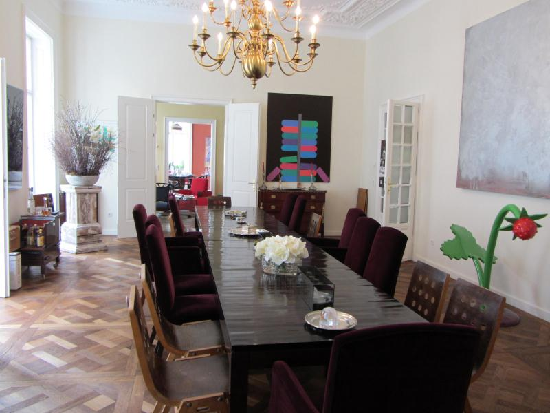 Real Estate in Austria - Magnificent classical apartment in top location