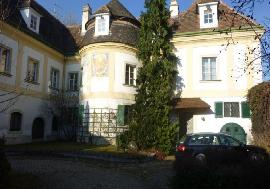 Real estate in Austria - Lower Austria - Historic manor house with spacious park garden For Sale - Maria Enzersdorf -
