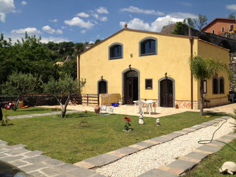 Exclusive Villa in Fiumefreddo for Sale - Italy
