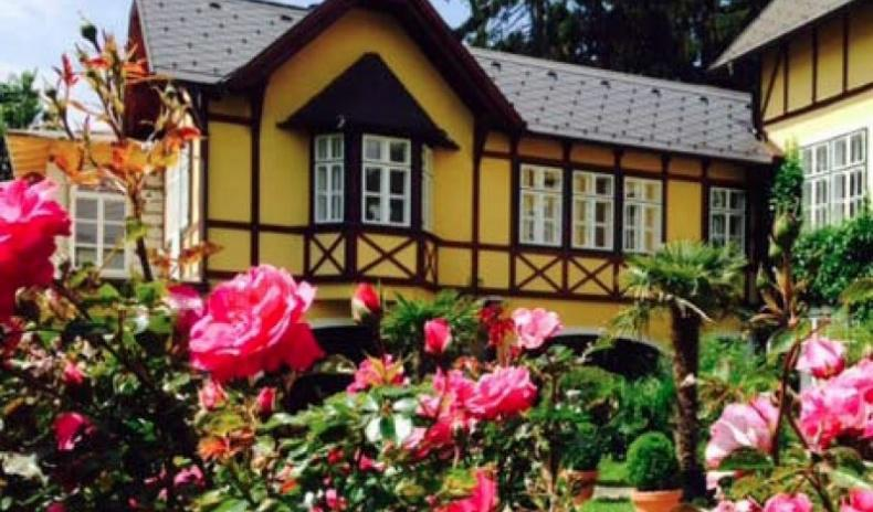 Outstanding historical country residence near Vienna For Sale - Austria - Lower Austria