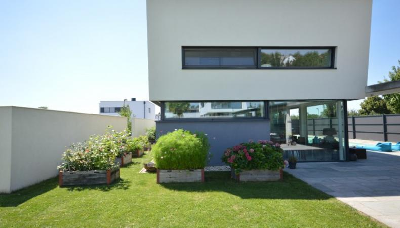 Architect Villa with Super Pool & Deluxe facilities for Sale