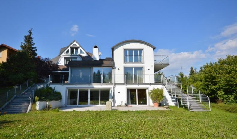 Exclusive villa with a dreamlike view over Sievering for Sale - Vienna - Austria