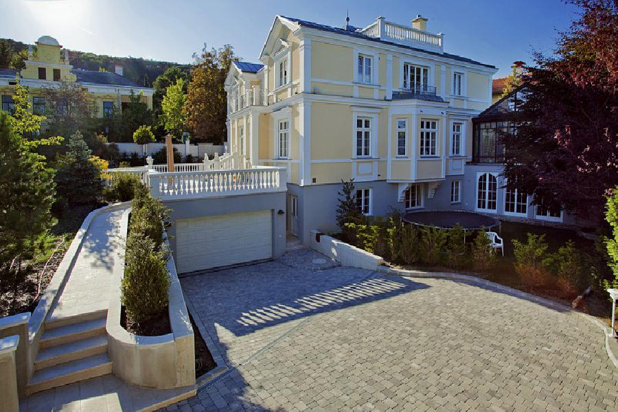 Exclusive villa near Vienna in top location for Sale