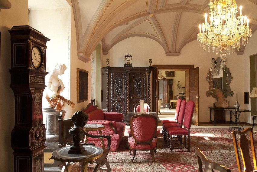 A historic castle in Austria full venerable glory for Sale