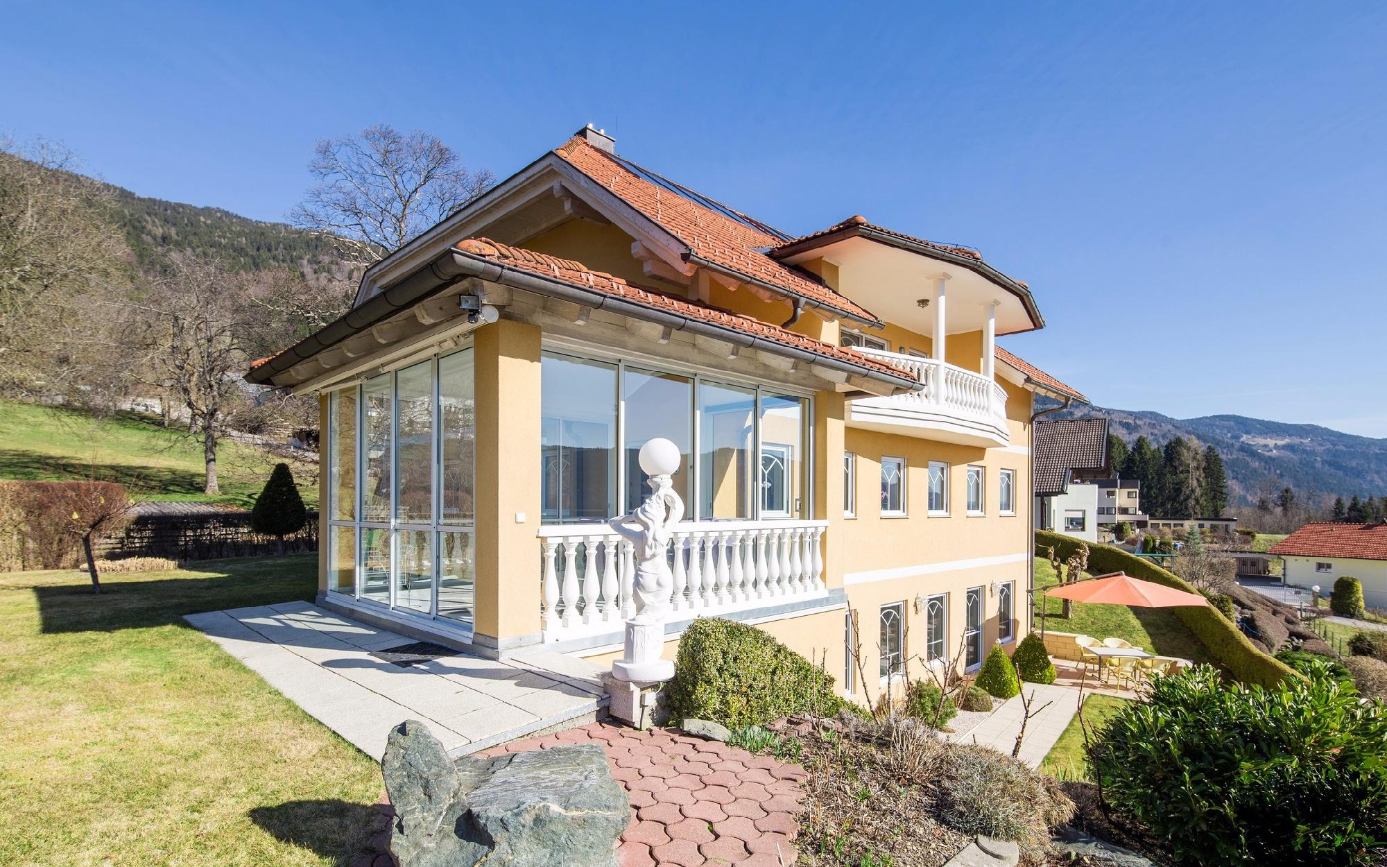 Villa in a sought-after residential area at the Ossiachersee