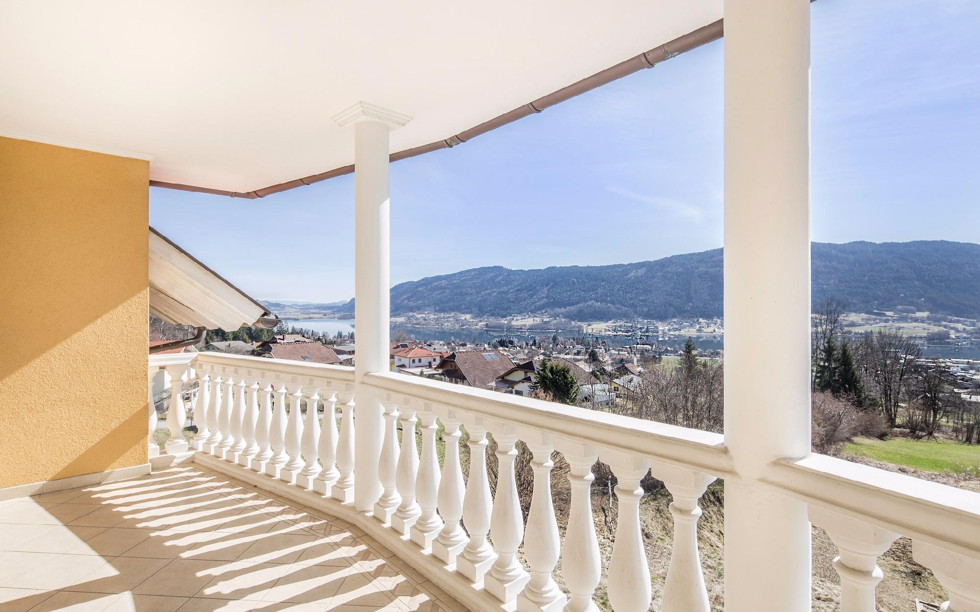 Villa in a sought-after residential area at the Ossiachersee for Sale