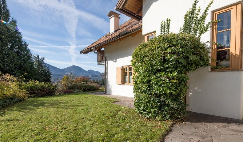 Real Estate in Austria - Generous house in Carinthia with panoramic view