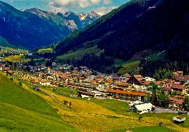 Real estate in Austria - Tirol - St. Anton am Arlberg - Land with permit for hotel in St. Anton for sale