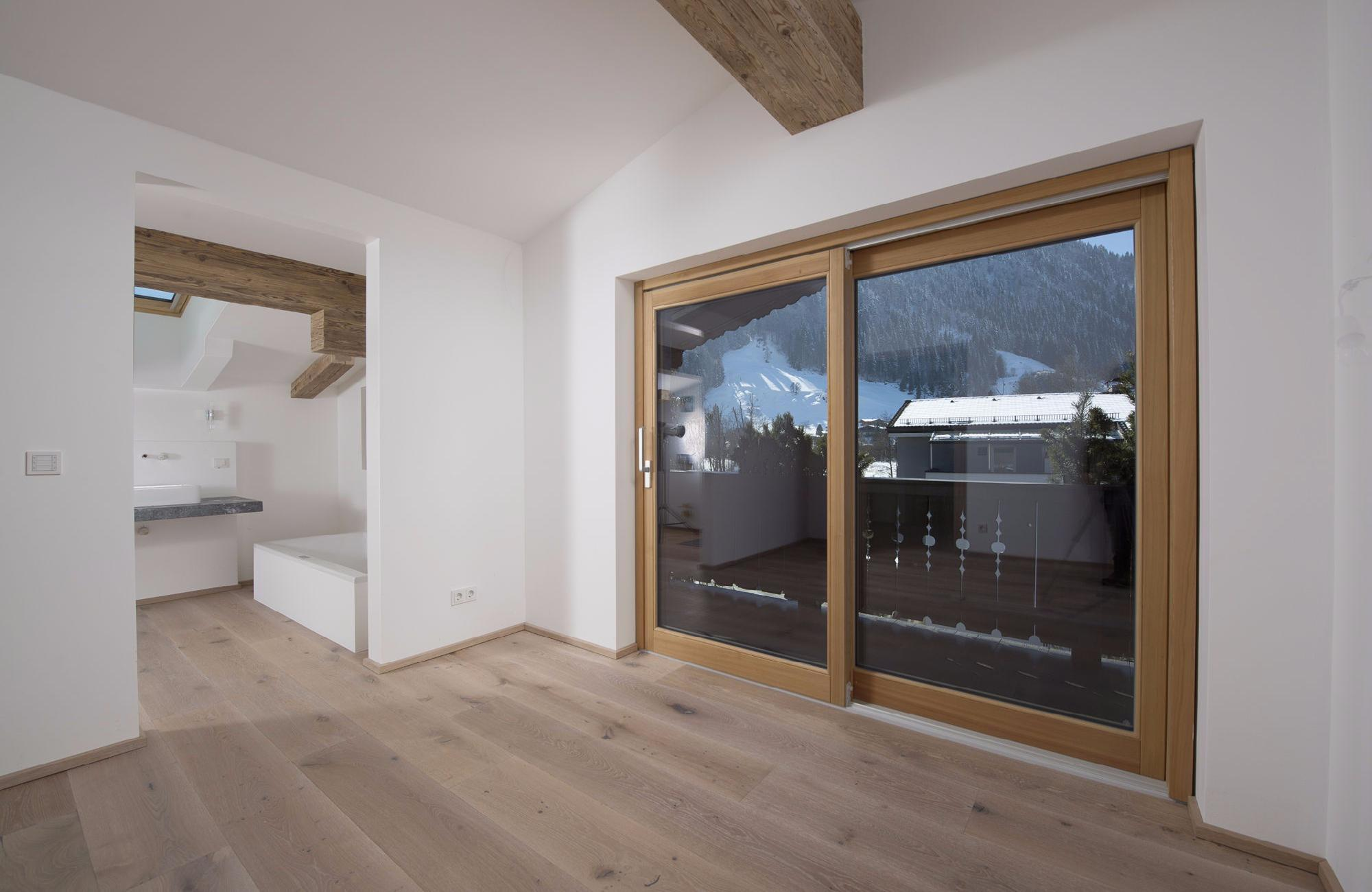 High-quality attic floor maisonette with View