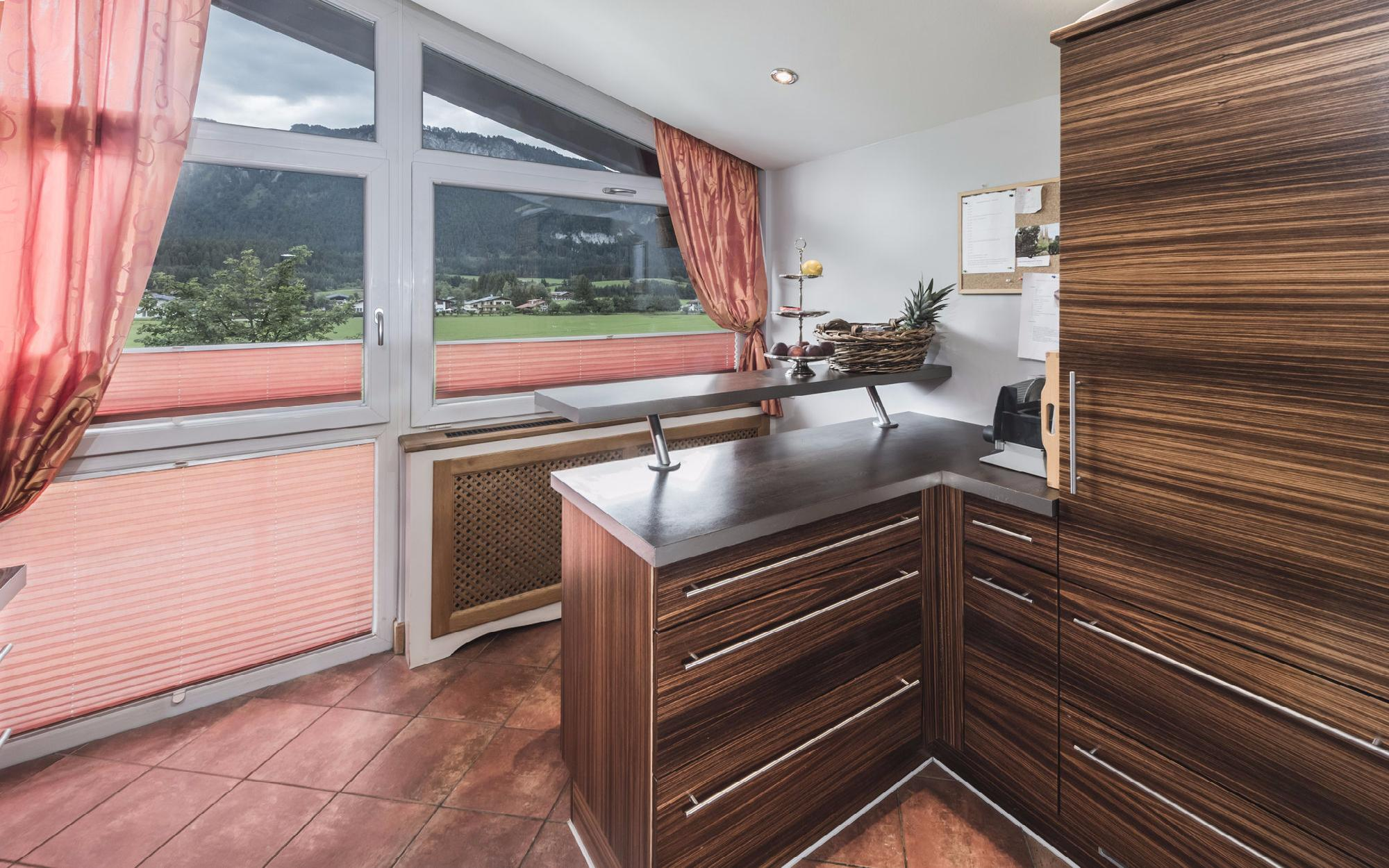 Family-friendly attic floor apartment in St. Johann in Tyrol for Sale