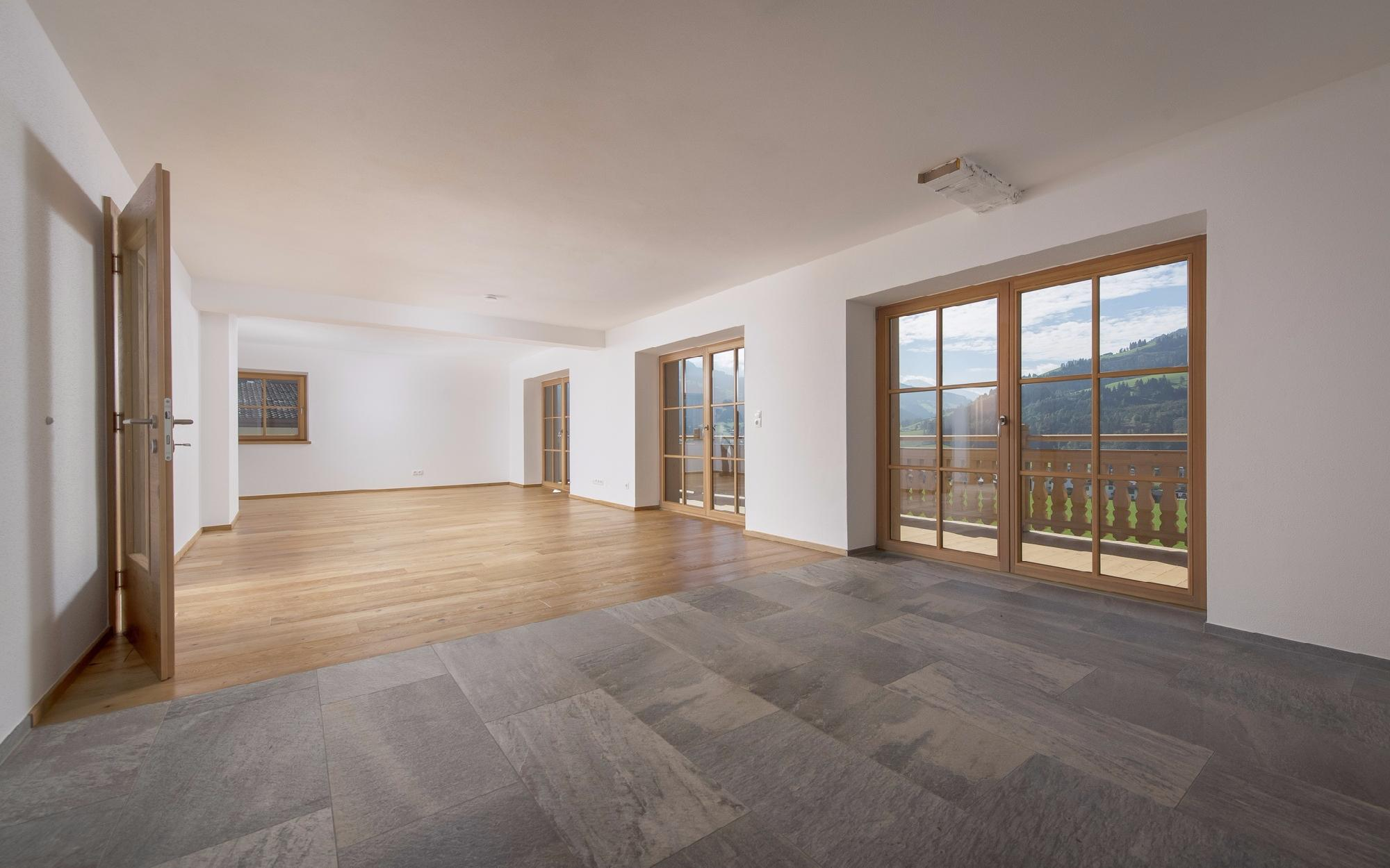Penthouse & apartment in an unobstructed sunny view in Kirchberg