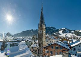 Real Estate in Austria - Popular Hotel in finest location in Kitzbuehel