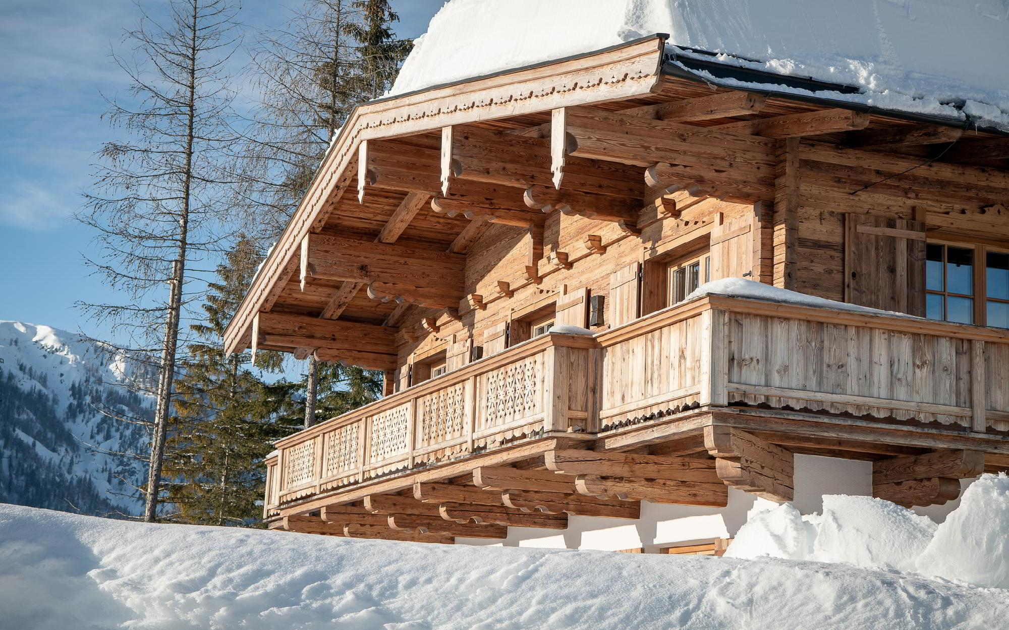 High-quality Tyrolean chalet with secondary dedication For Sale - Austria - Tirol