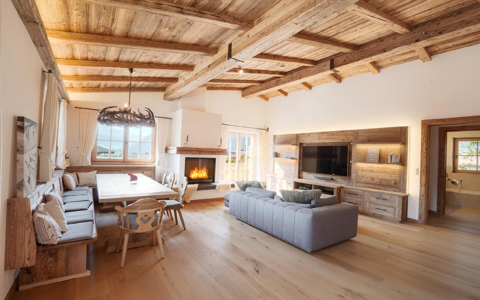 High-quality Tyrolean chalet with secondary dedication for Sale