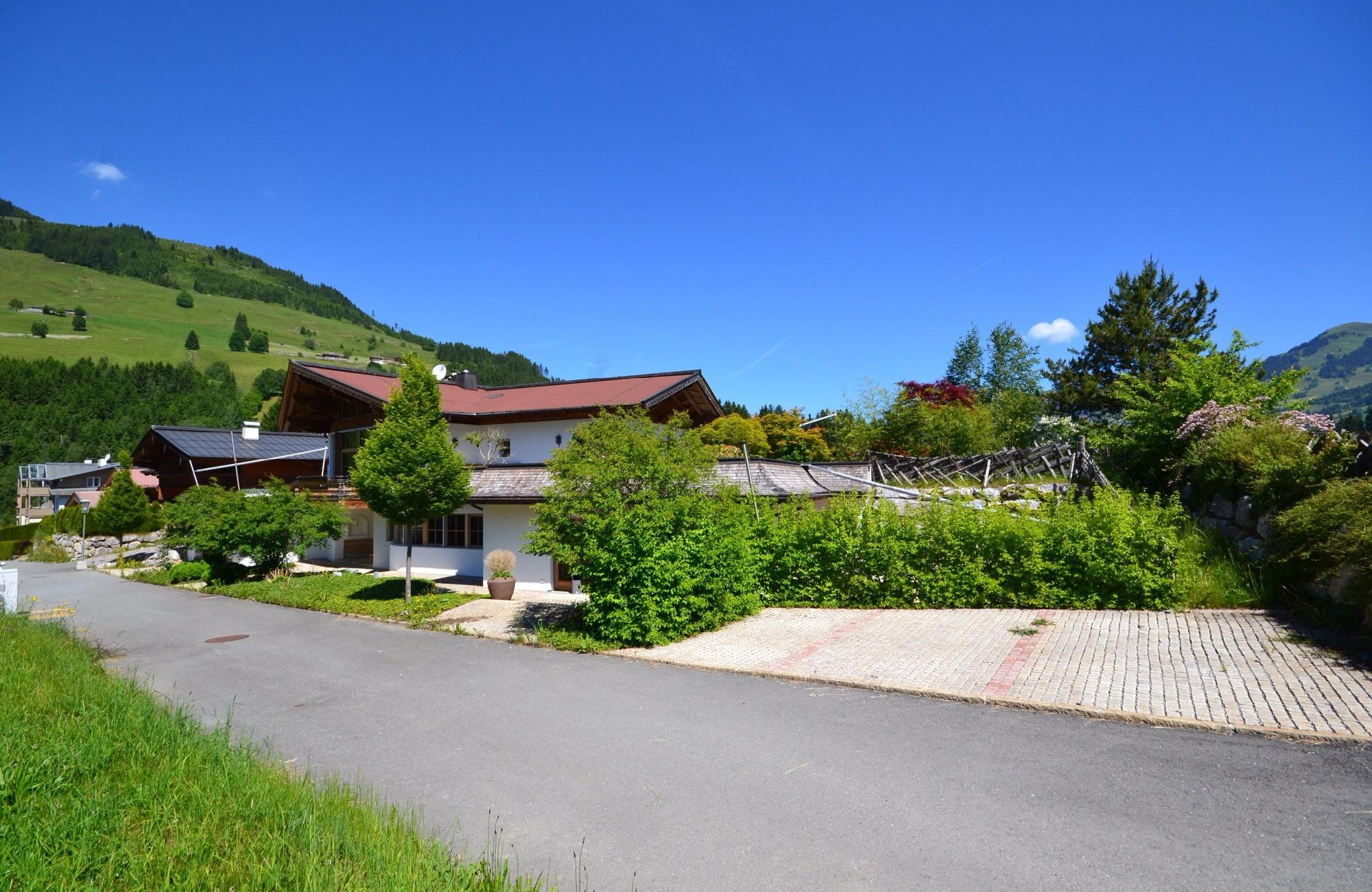 Spacious country villa in Aurach bei Kitzbuhel for Sale
