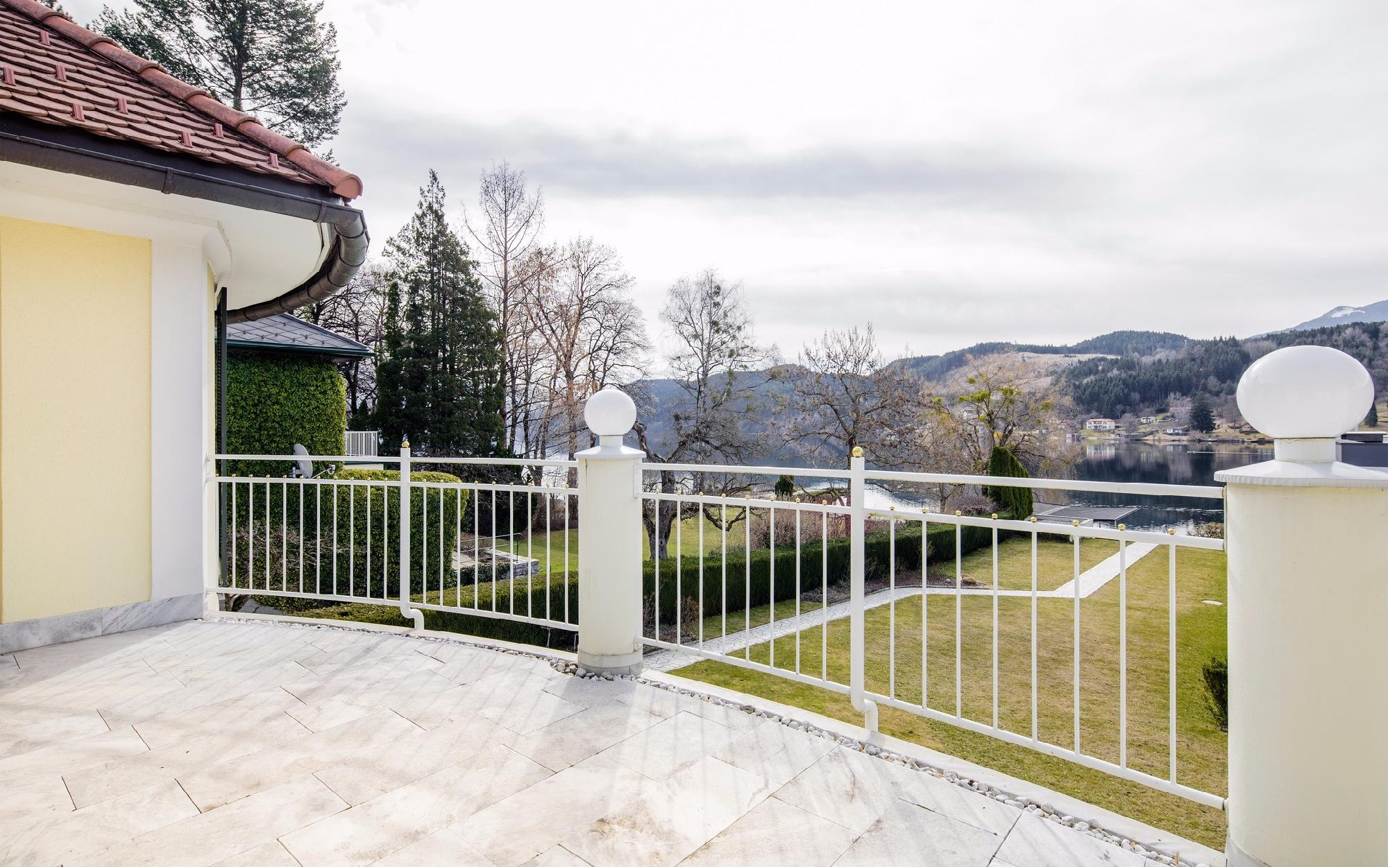 Unique property in Carinthia at the Lake Millstatt for Sale