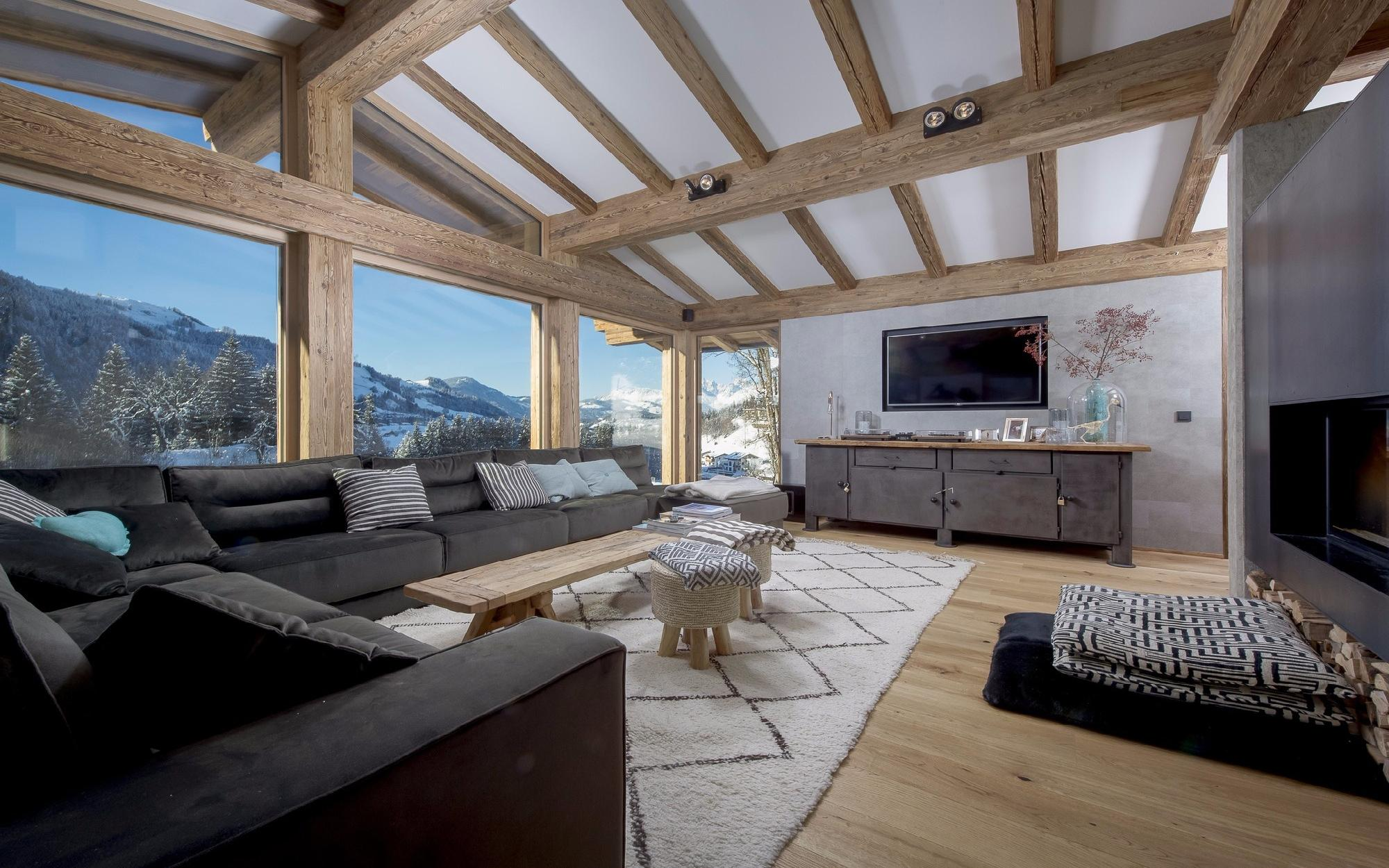 Newly built chalet with guest house in Kitzbühel