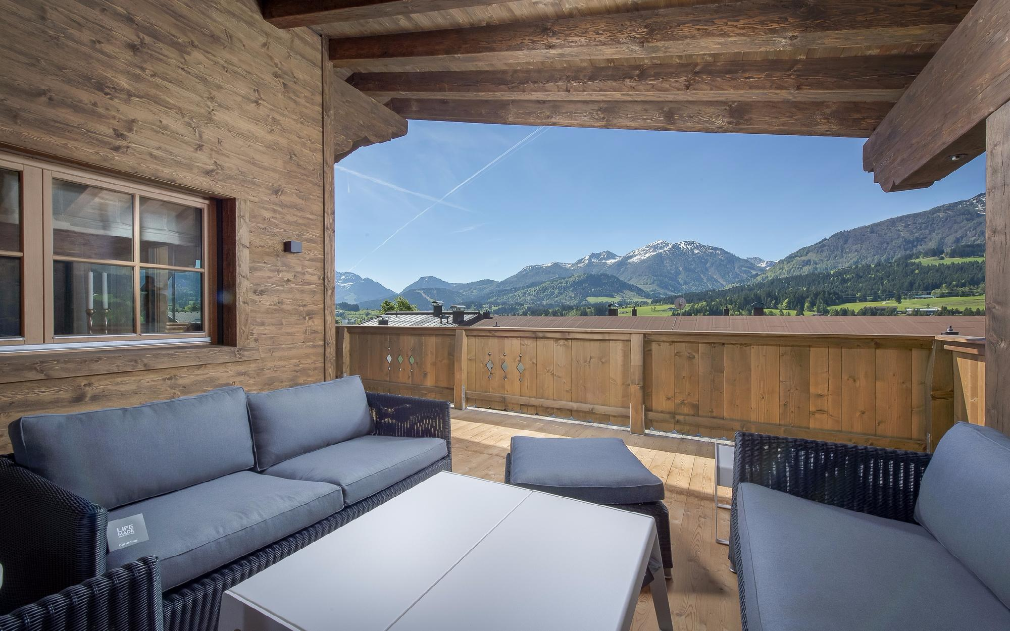 Furnished luxury chalets in a sunny location in Fieberbrunn