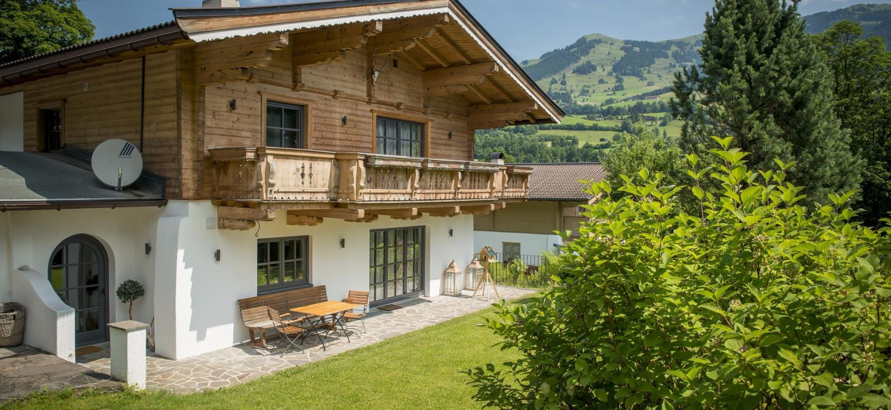 Charming chalet in Aurach bei Kitzbuhel for Sale - Tirol - Austria
