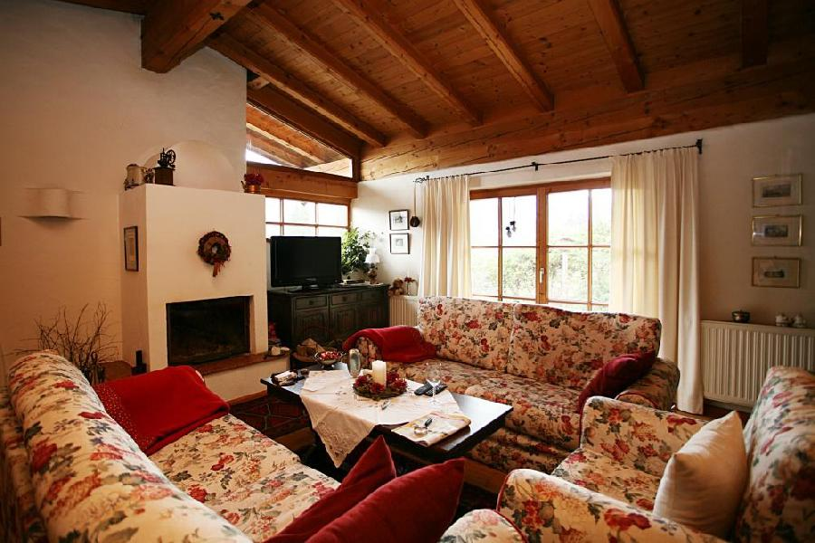 Real Estate in Austria - Cosy chalet in Kitzbuhel with panoramic views