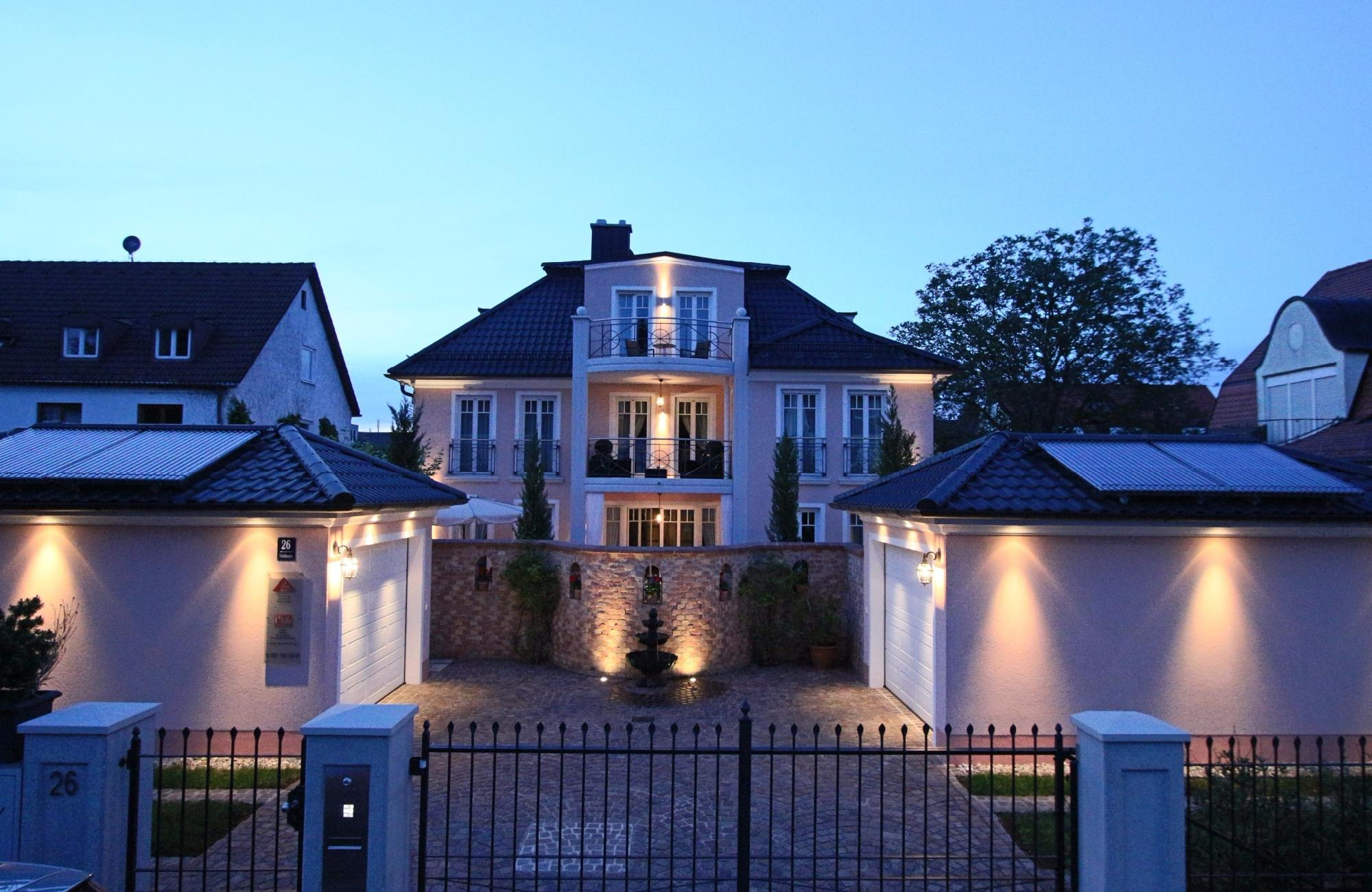Exclusive villa in the Westpark of Munich for Sale