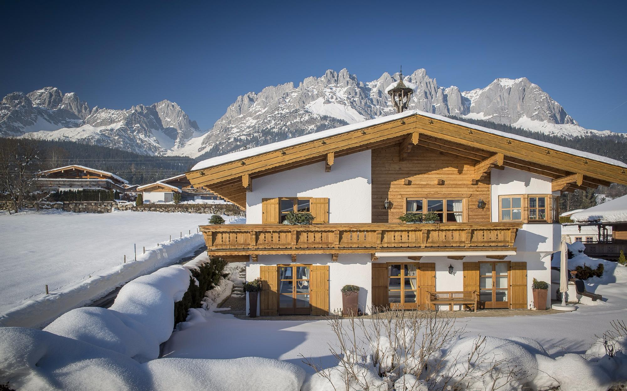 Real Estate in Austria - Spacious and high-quality Tyrolean country house in Going