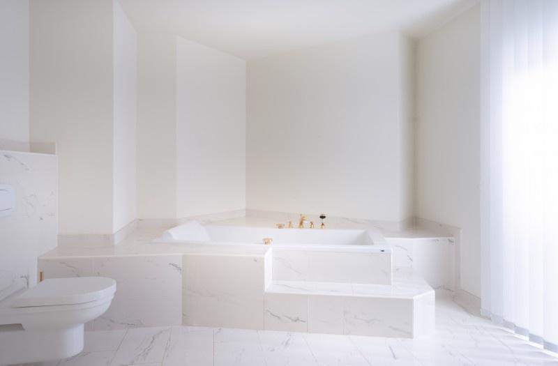 Белый дом в Вене в эксклюзивном районе Гринцинг на продажу, 19-й район (Doebling)