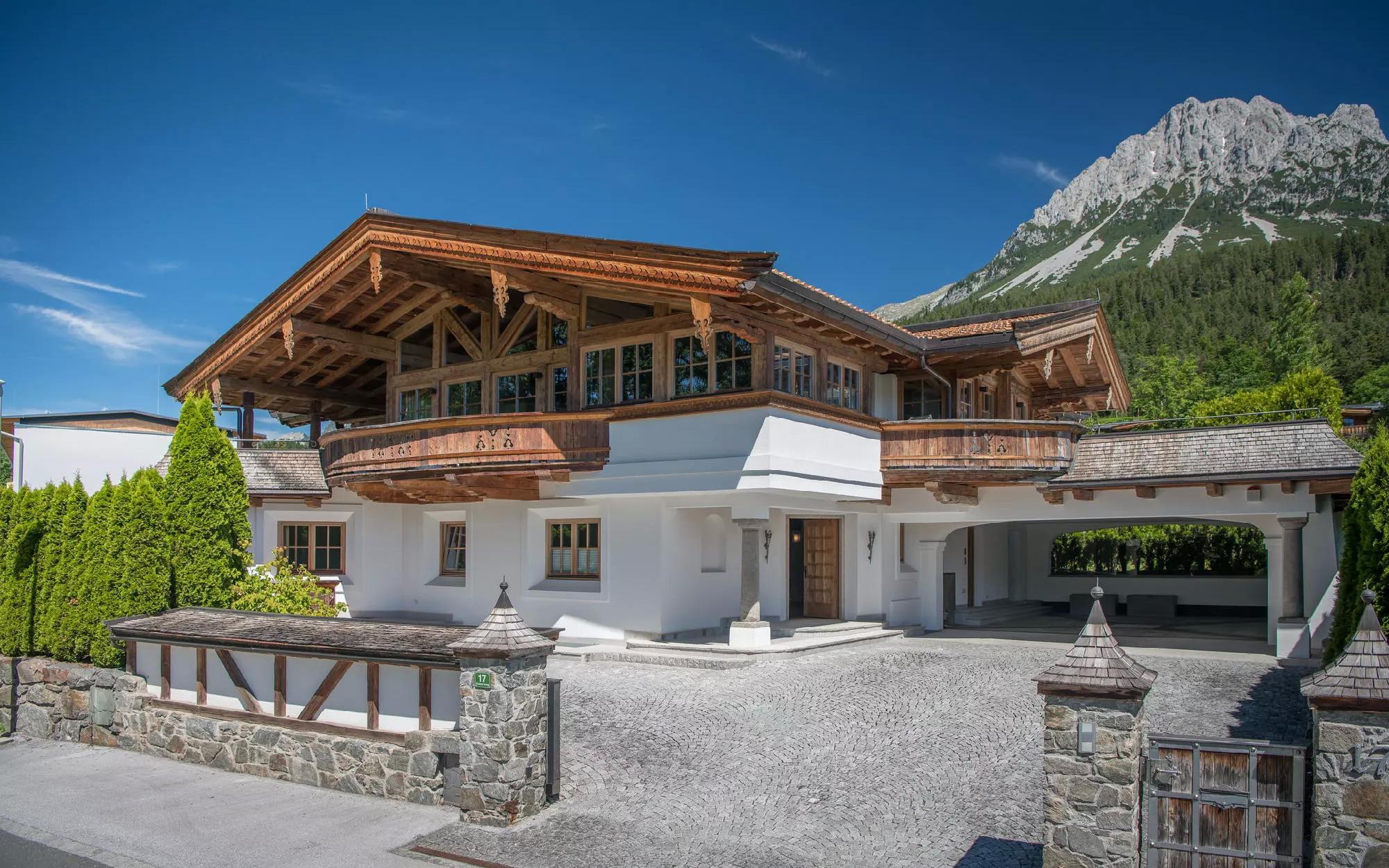 Альпийское шале в Эльмау в солнечном месте  на продажу, Эльмау