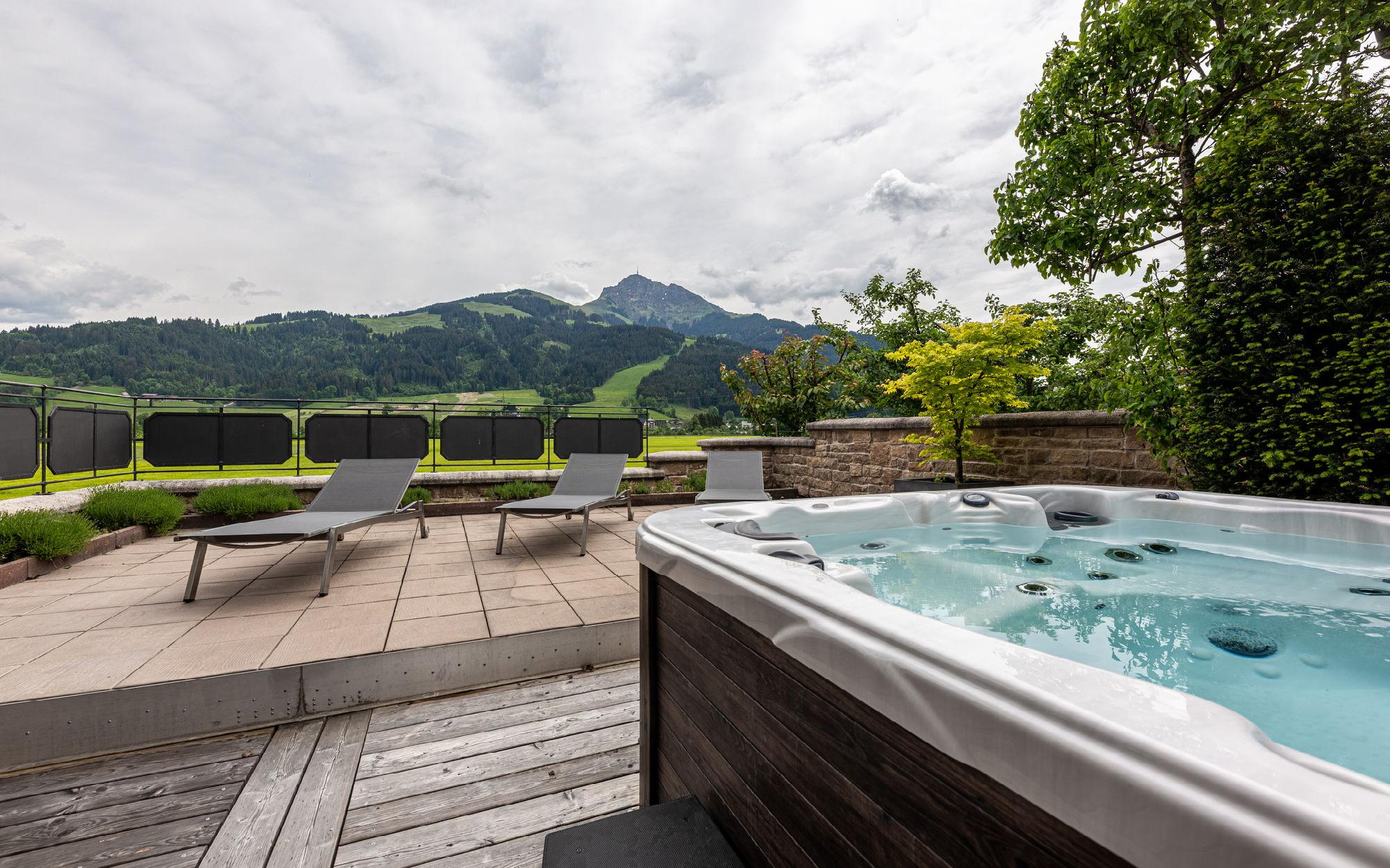 Modern premium Austrian country house in tyrolean style for Sale