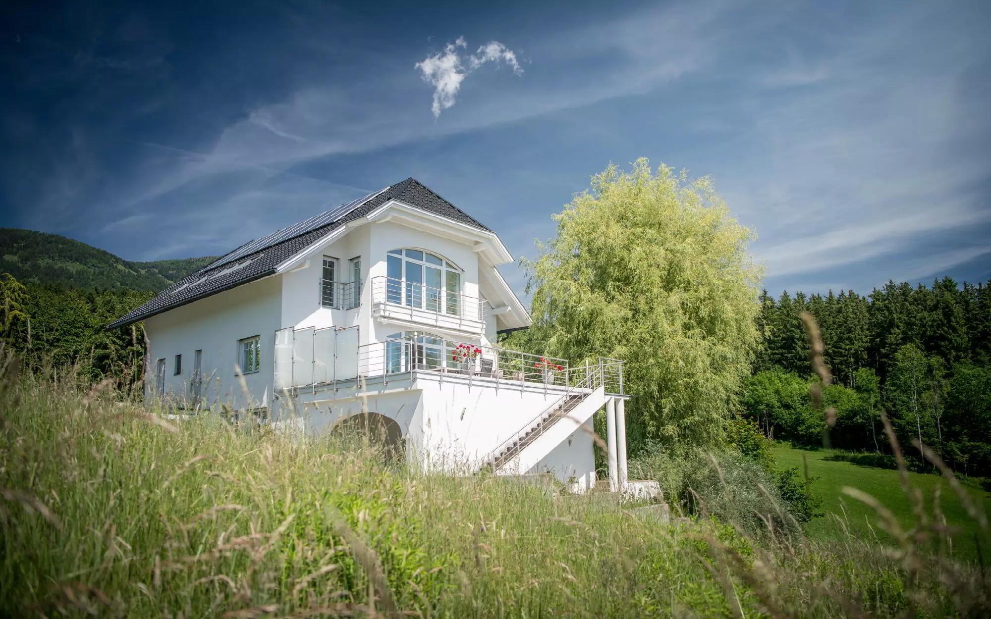 Очаровательная вилла на озере в Каринтии на продажу, Зеебоден-ам-Мильштеттер-Зее