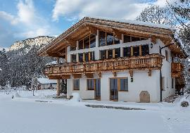 Real Estate in Austria - Country house in Tyrol in a sunny quiet location