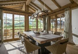 Real estate in Austria - Tirol - Elegant comfortable Chalet in Kitzbuhel For Sale - Kitzbuehel -