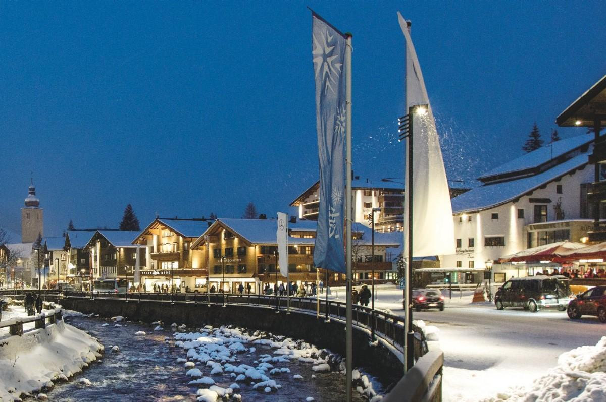 First Class Hotel at the ski-slope in region Lech Zürs for Sale