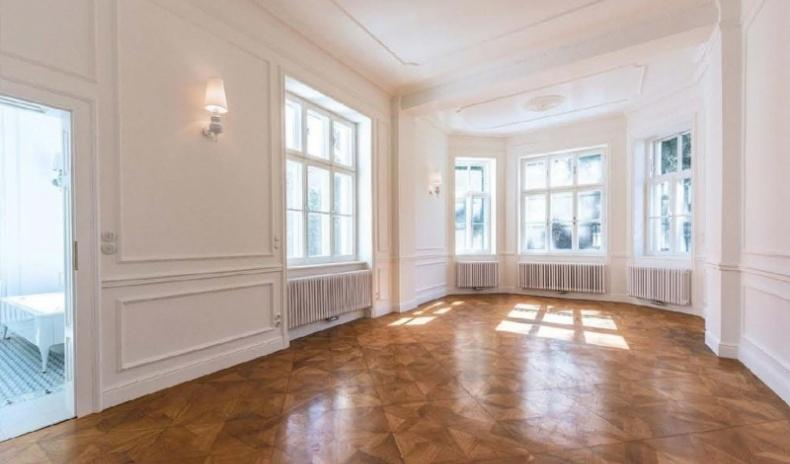 Luxury property in prime Vienna location for Sale
