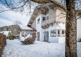 Real Estate in Austria - Plot with a family house in a fantastic location